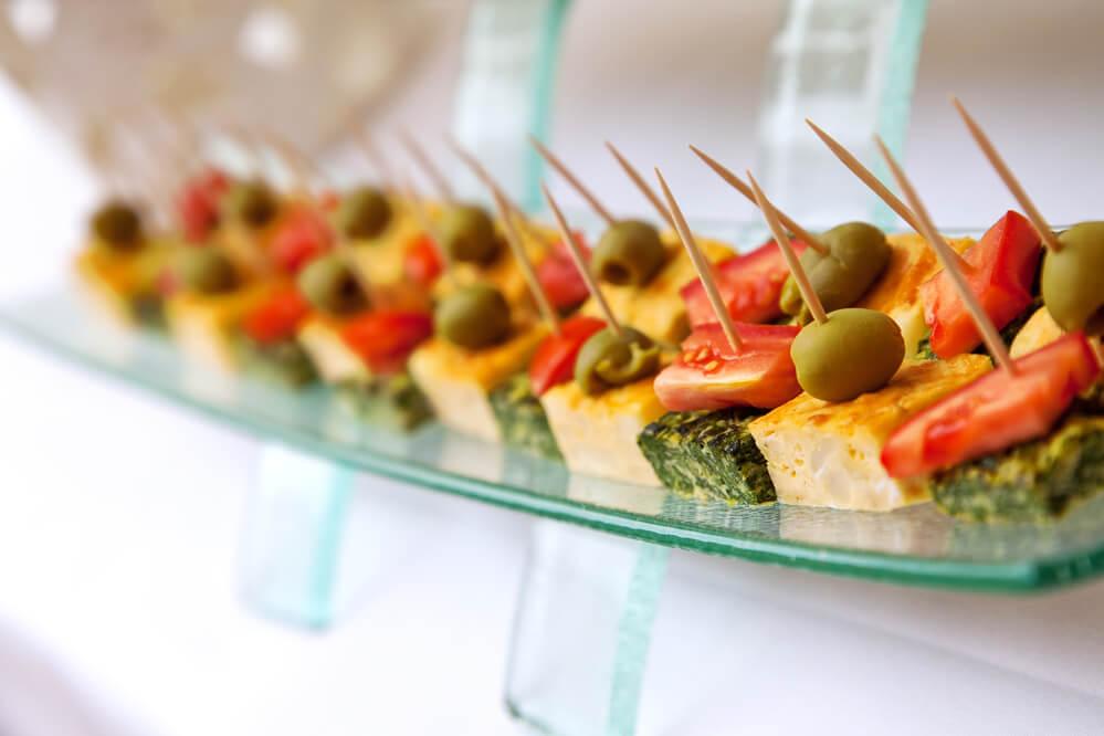 6-motivos-para-servir-finger-food-em-seus-eventos-empresariais.jpeg