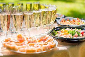 Os principais cuidados que você deve ter com alimentos e bebidas no seu evento